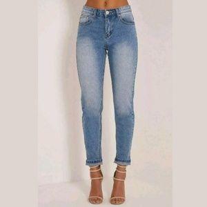 Pretty Little Thing Kourtney Boyfriend Jeans